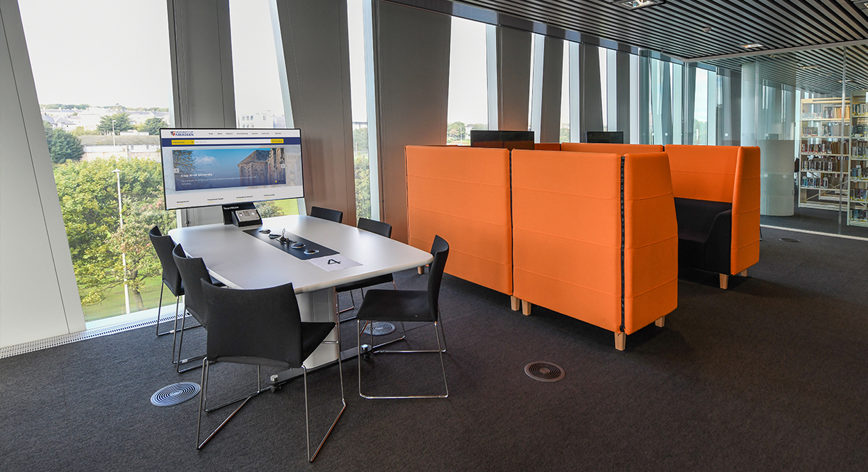 WorksZone Pod Uni of Aberdeen Library 6 Seat